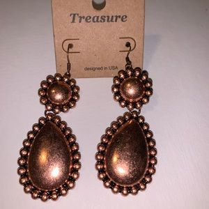 Jewelry - Copper colored Long Earrings Cowgirl